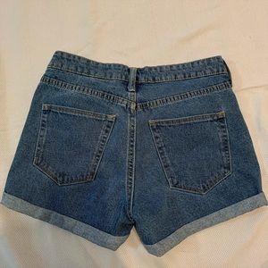 Mom shorts style